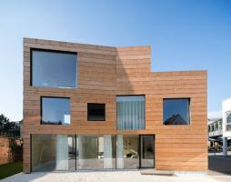 German approach to the pre-fabricated housing: CLT panel