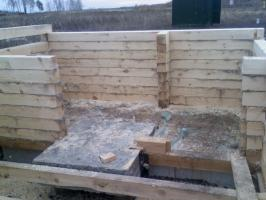I continue to build the walls of the timber. I do have time before the snow?