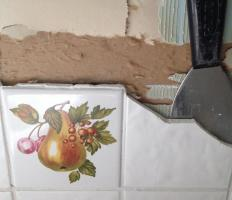 How to quickly replace the tiles without damaging neighboring tiles